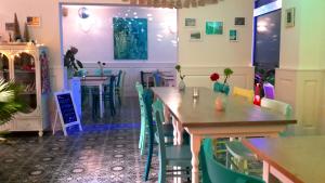 Gastraum Cafe Bar GRUENEN